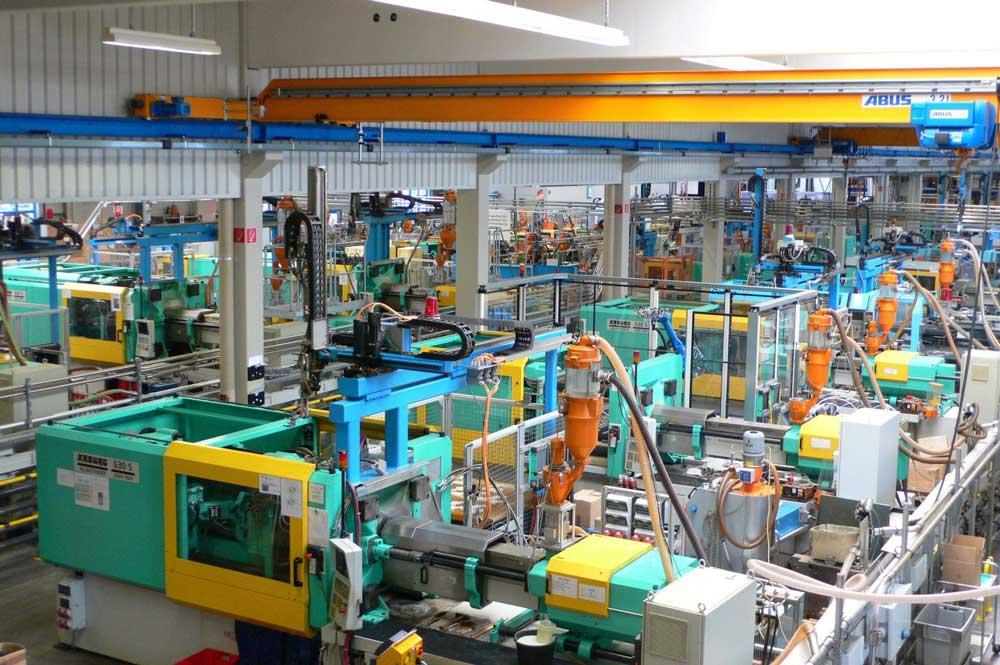 Kompetenz Center Kunststoff bei Koranis Purchasing Solutions